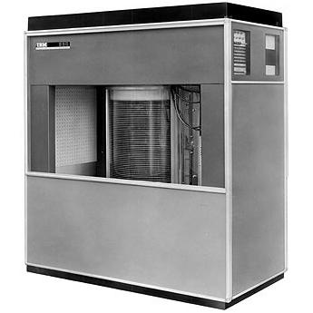 Первый жесткий диск IBM 350